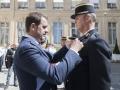 Remise de décorations par Christophe CASTANER ministre de l'intérieur, Dominique CLEISS, major escadron de la gendarmerie mobile 35/7 de Revigny-sur-Ornain est fait chevalier de la légion d'honneur