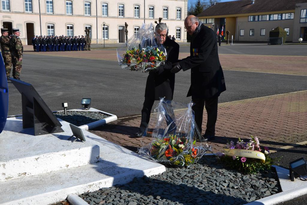 15 02 hommage aux gendarmes